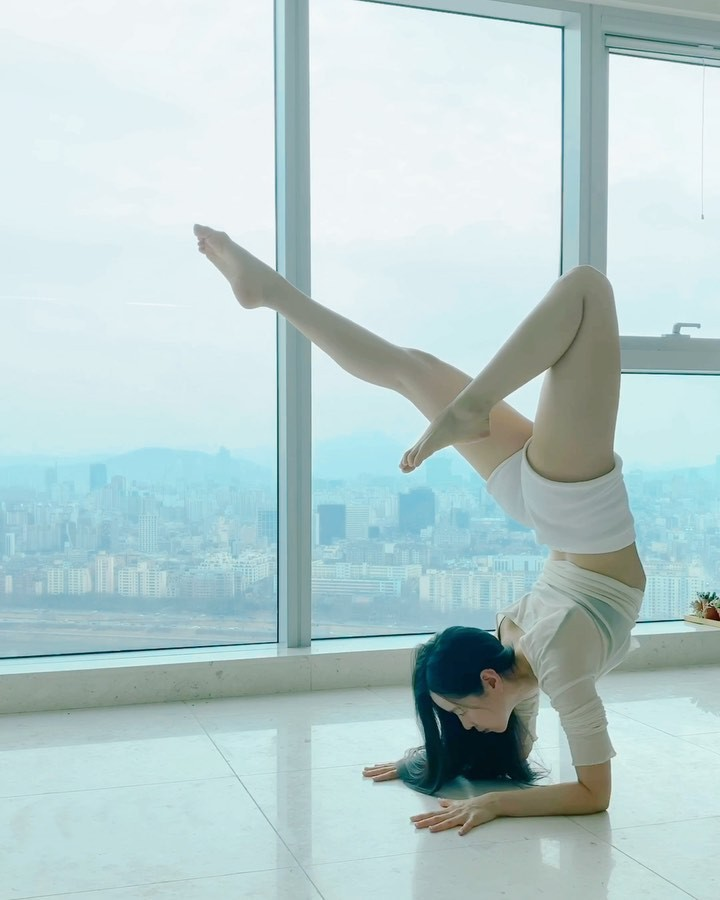 Sang A Yonini hot legs picture, physical fitness, architecture
