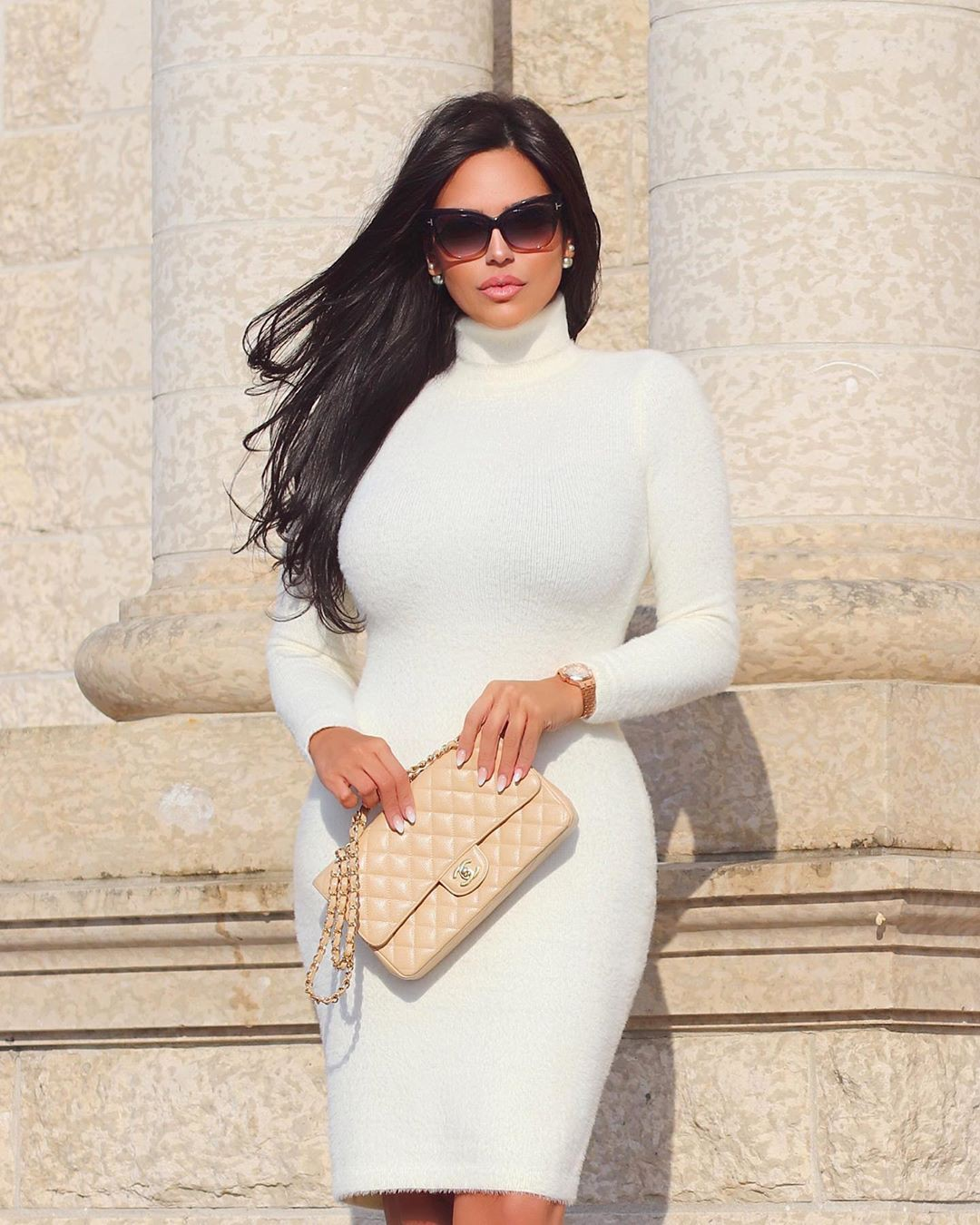 Beige and white dress pencil skirt, sunglasses, eyewear