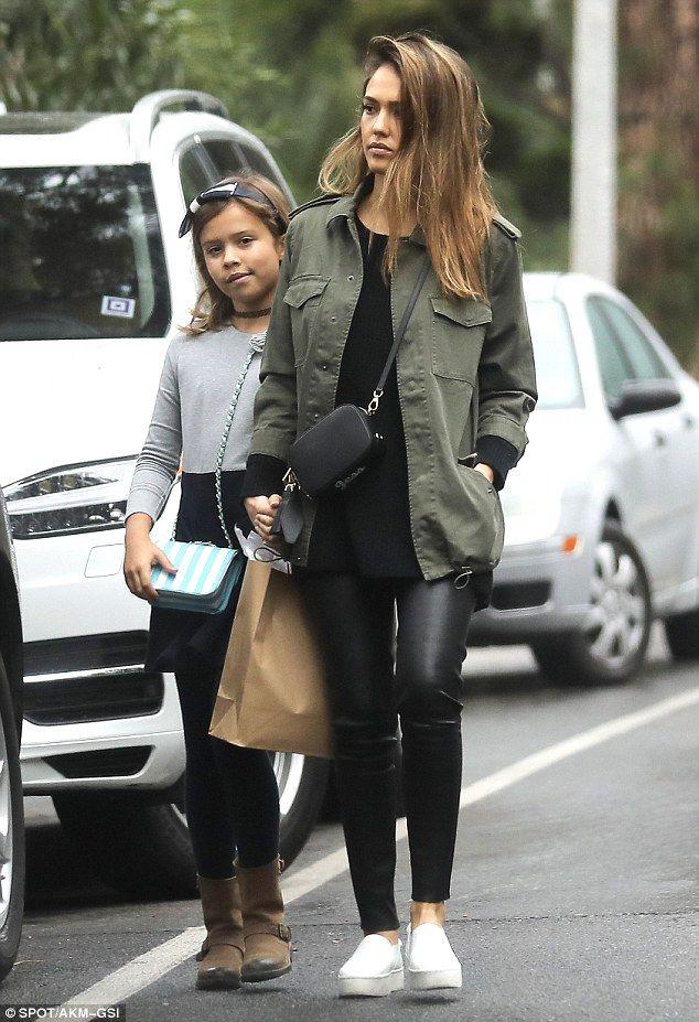 Jessica alba tight pants, street fashion, jessica alba, sin city