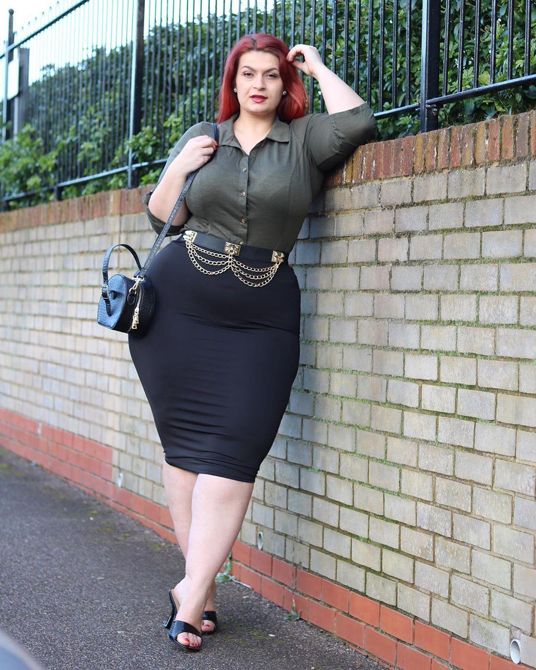Ioana Chira dress little black dress, pencil skirt clothing ideas