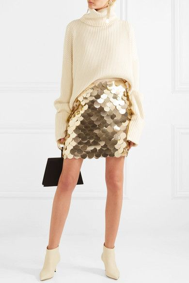 Beige and white colour outfit with miniskirt, skirt