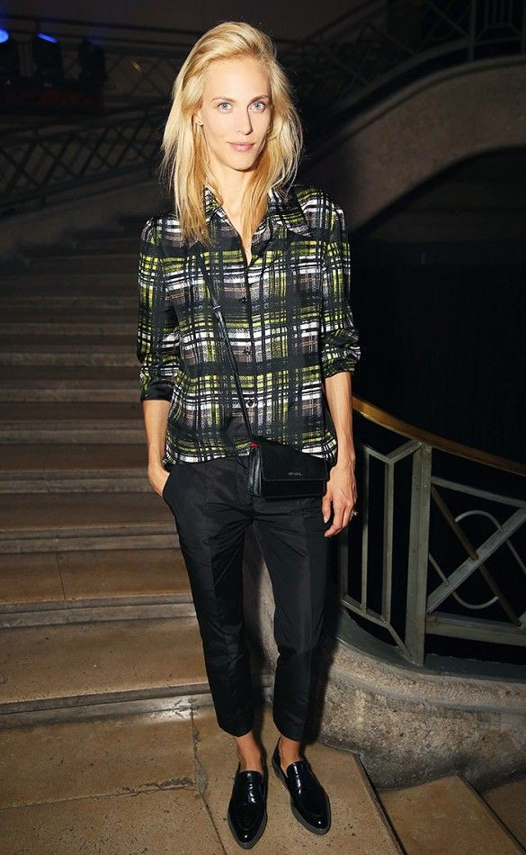Outfit Stylevore with tartan, jeans