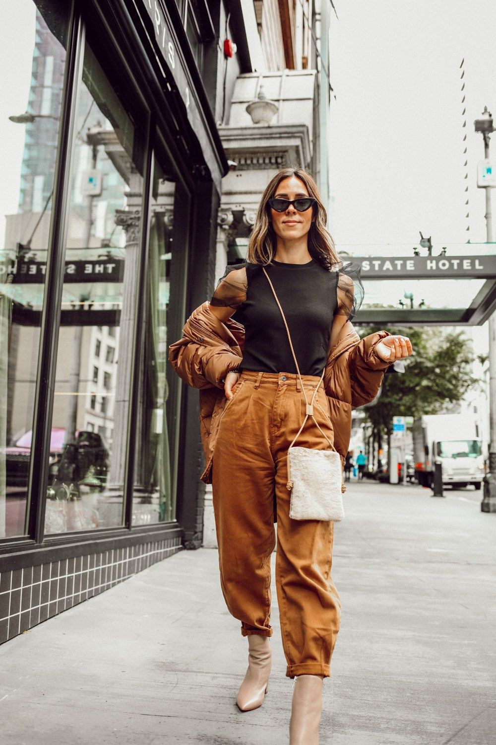 Brown clothing ideas with fashion accessory, wide leg jeans, mom jeans