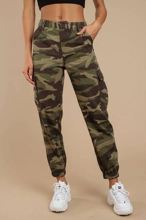 Camo cargo pants womens outfit