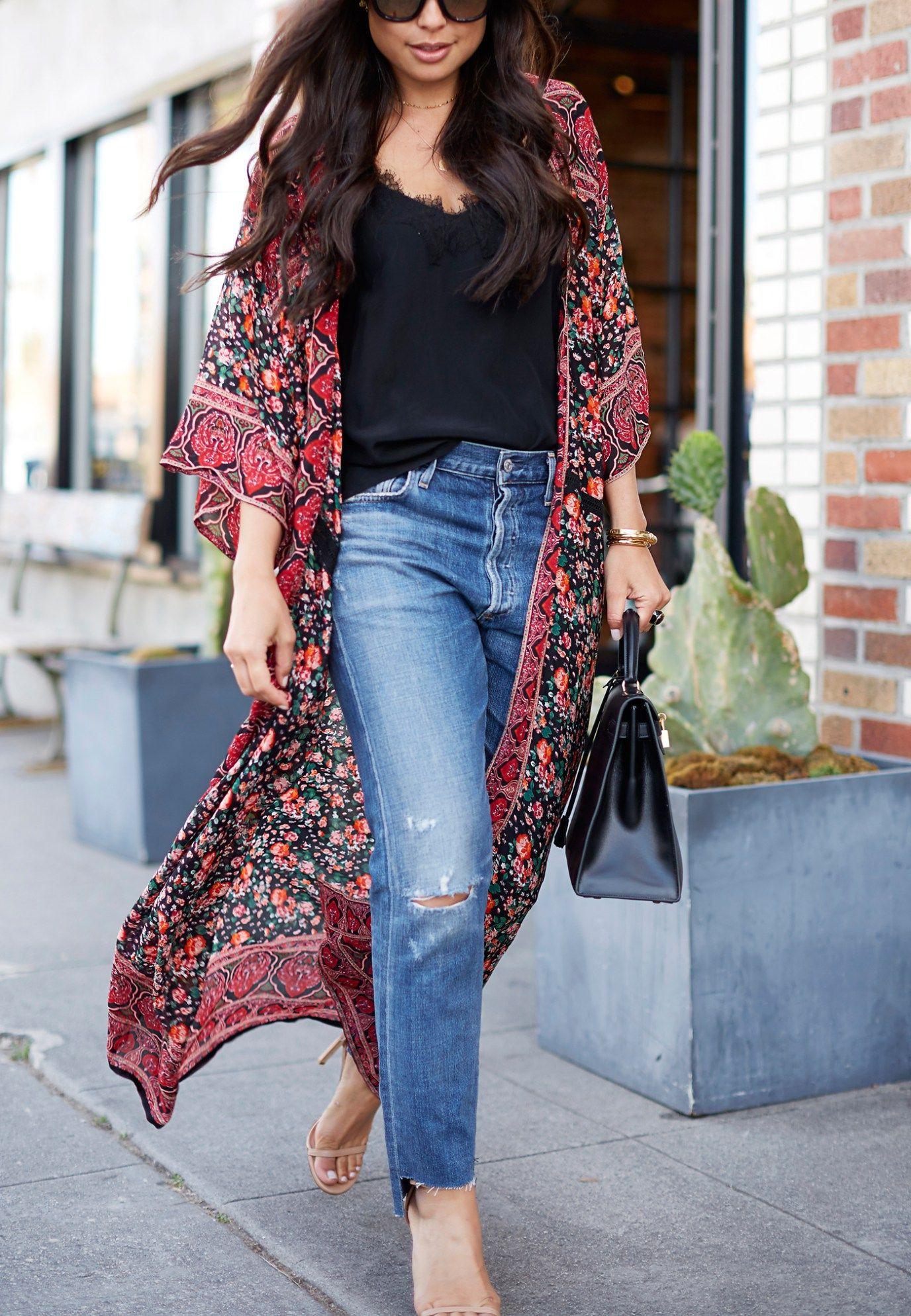 Kimono floreado y jeans, street fashion, boho chic, t shirt