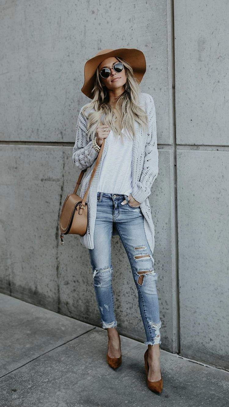 Easy breezy casual style! Perfect for Spring. | Summer Outfit Ideas 2020
