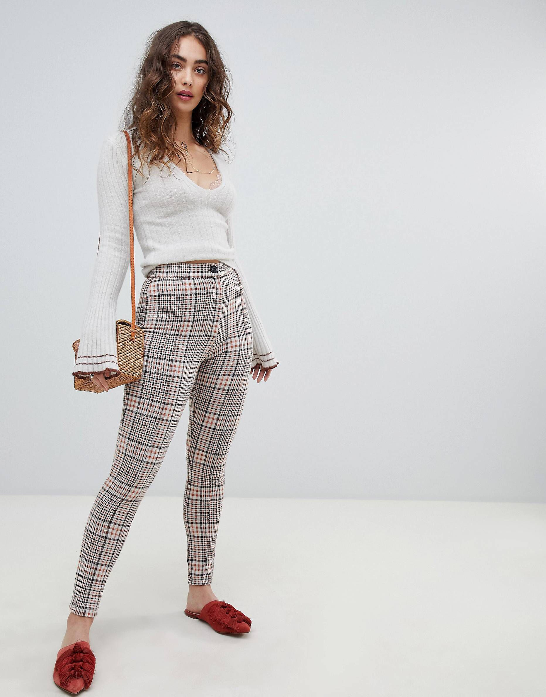 White colour outfit, you must try with leggings, trousers, tights
