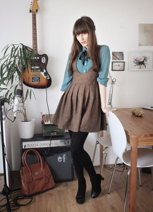 Shirt under dress cute, oxford shoe, t shirt
