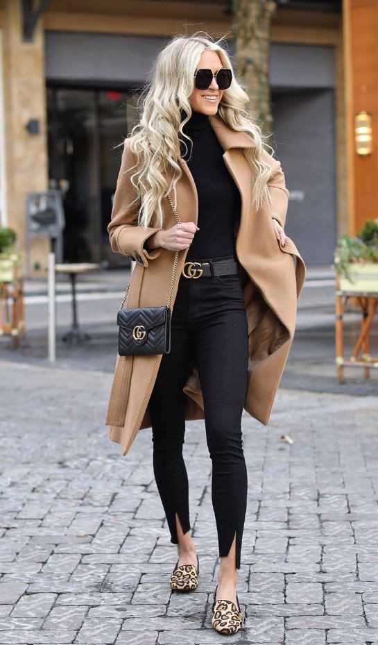 Colour outfit with trench coat, coat