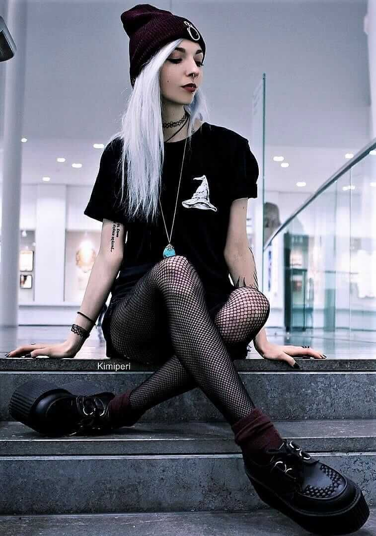 Outfit style dark grunge style, alternative fashion, alternative rock, grunge fashion, street fa ...