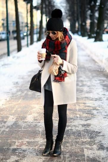 Colour dress look inverno neve, street fashion, casual wear