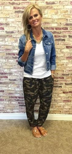 Camo joggers womens outfit, camo joggers, casual wear, t shirt