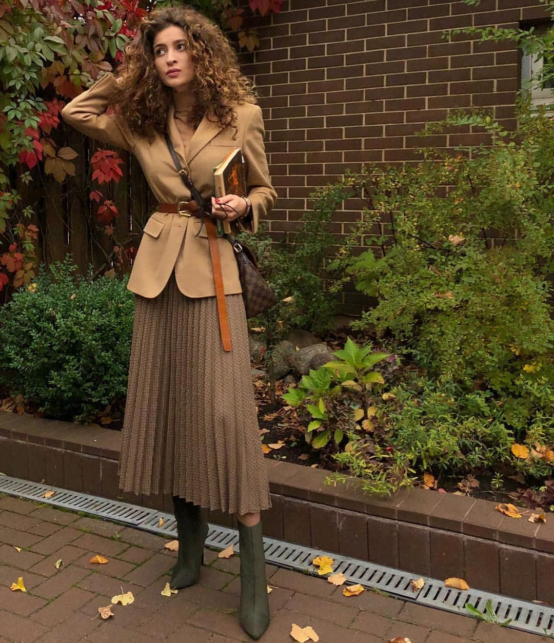 Brown style outfit with blouse, skirt, coat
