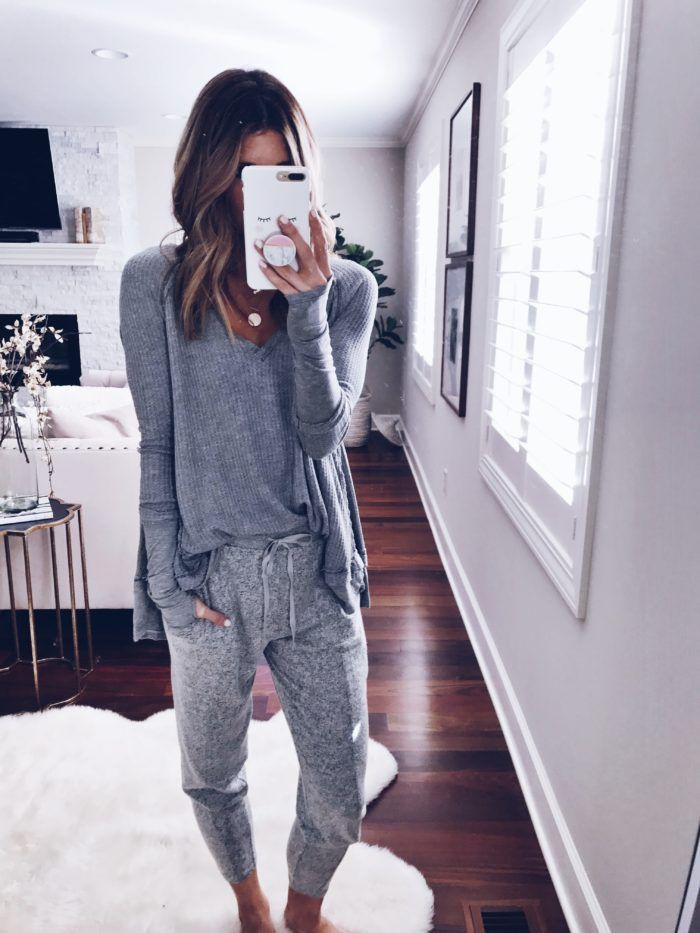 White outfit instagram with sportswear, mom jeans, sweatpant