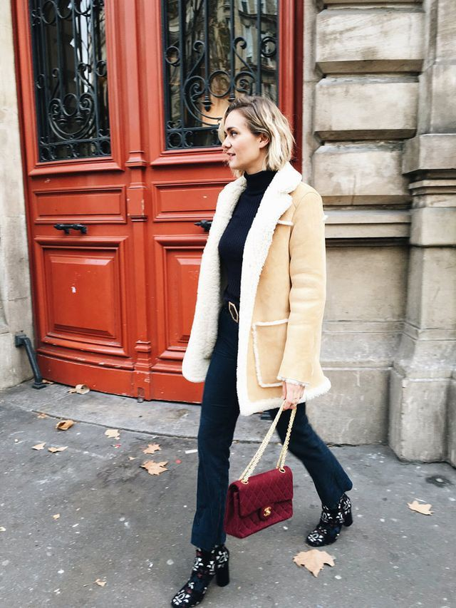 Look flare jeans winter, shearling coat, street fashion, t shirt