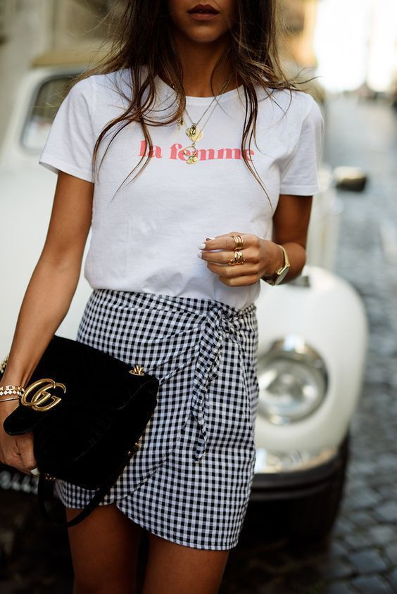 Mini skirt outfit trend tie front skirt, street fashion