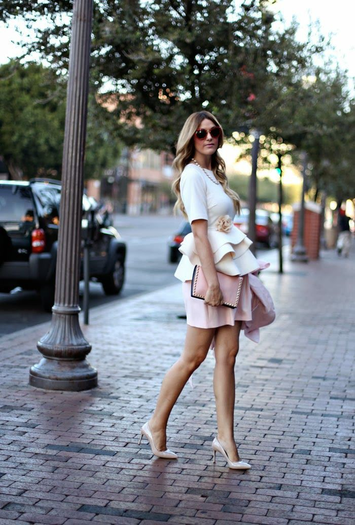 White colour outfit ideas 2020 with crop top, skirt