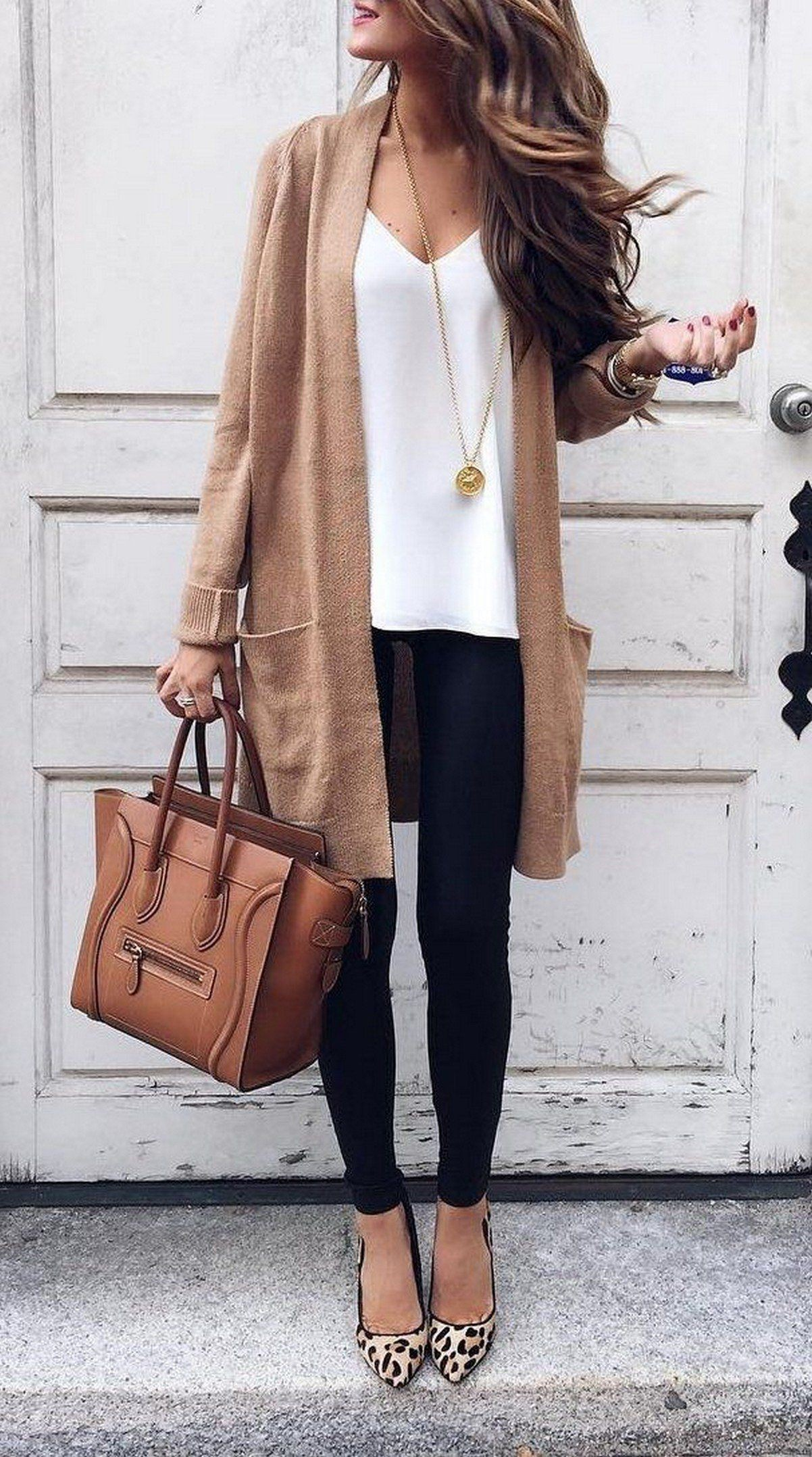 Fall outfits for women, empire silhouette, street fashion, petite size, casual wear