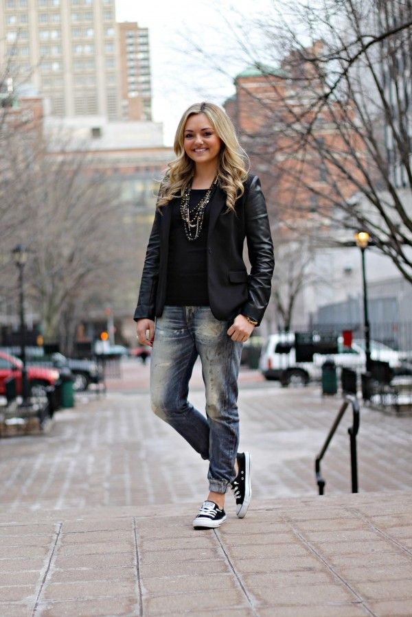 Outfit ideas converse boyfriend jeans, leather jacket, street fashion