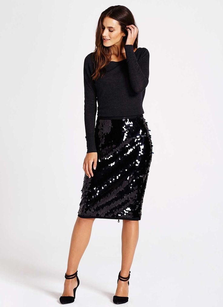 Black sequin skirt outfit, fashion model, sequin skirt, pencil skirt, casual wear, t shirt