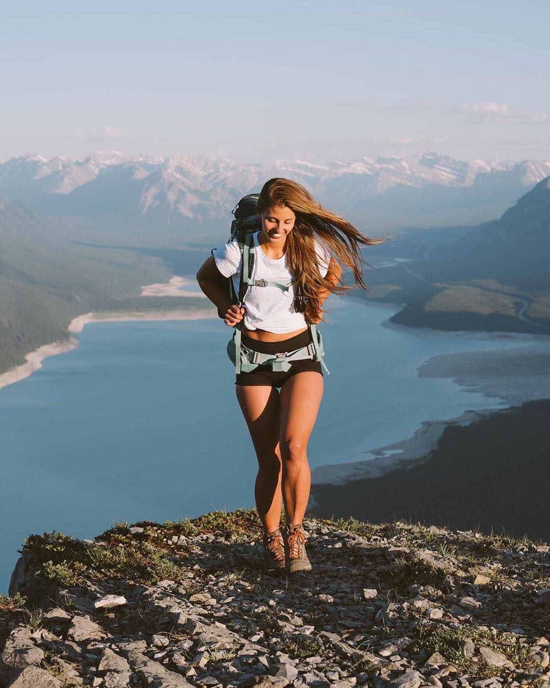 Outfit instagram women hiking,