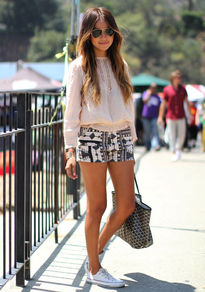 Shorts and converse outfit julie sariñana, street fashion