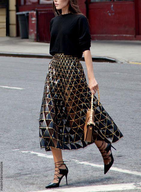 Valentino triangle pattern skirt, street fashion, fashion model, high heels
