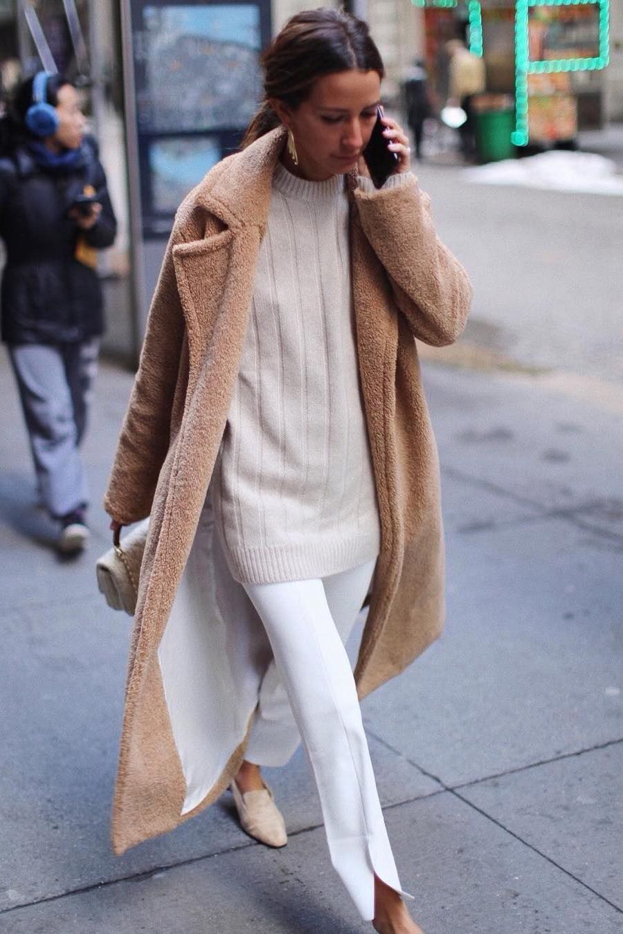 Colour outfit ideas 2020 beige sweater look, minimalist fashion, sweater   beige, street fashion ...