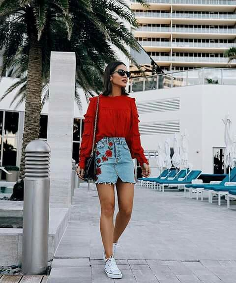 Mini skirt outfits with sneakers
