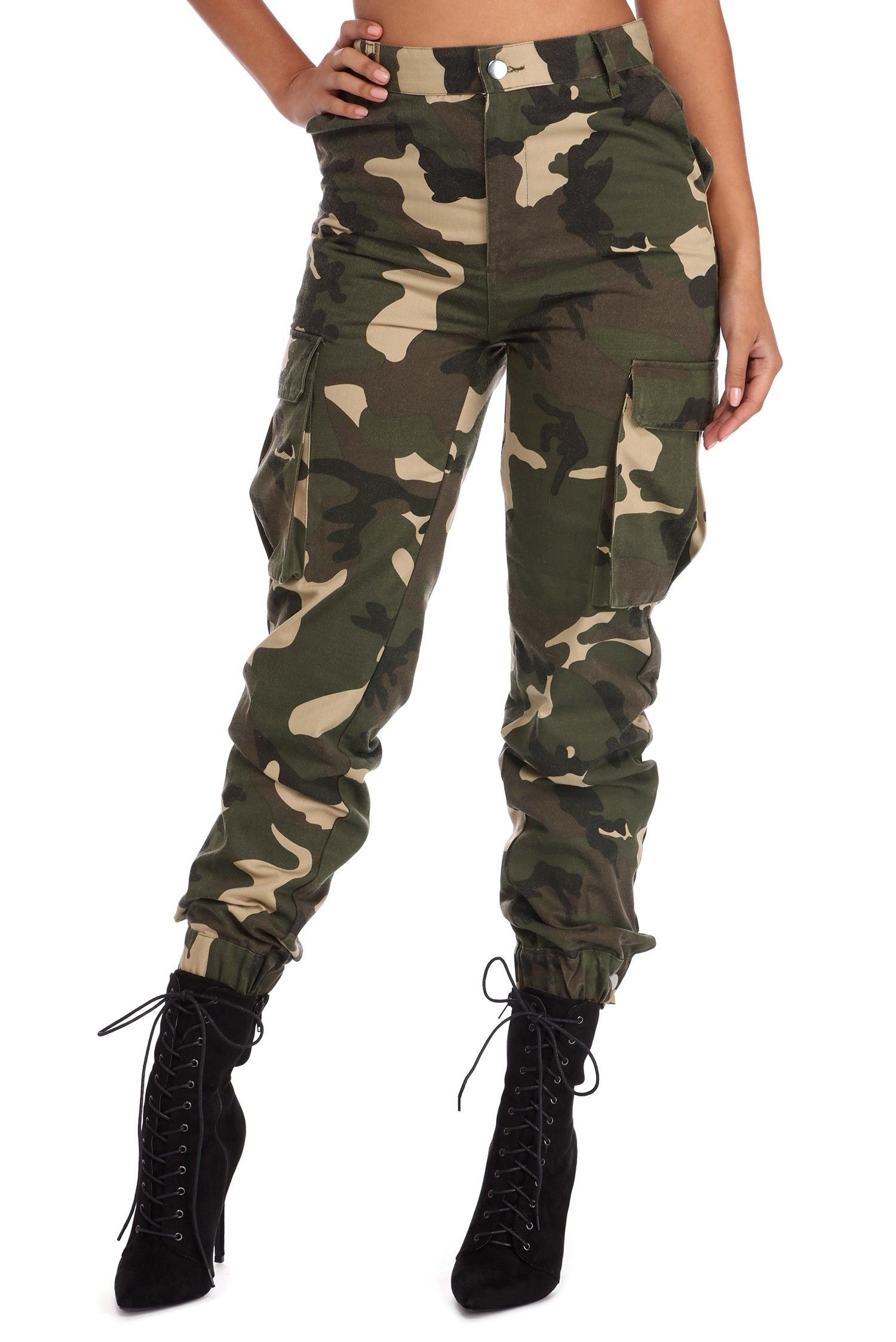 Cargo camo pants outfit, military camouflage, cargo pants