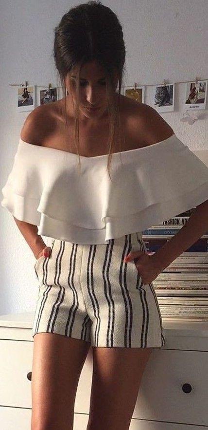 Short de moda rayados, striped shorts, casual wear, human body