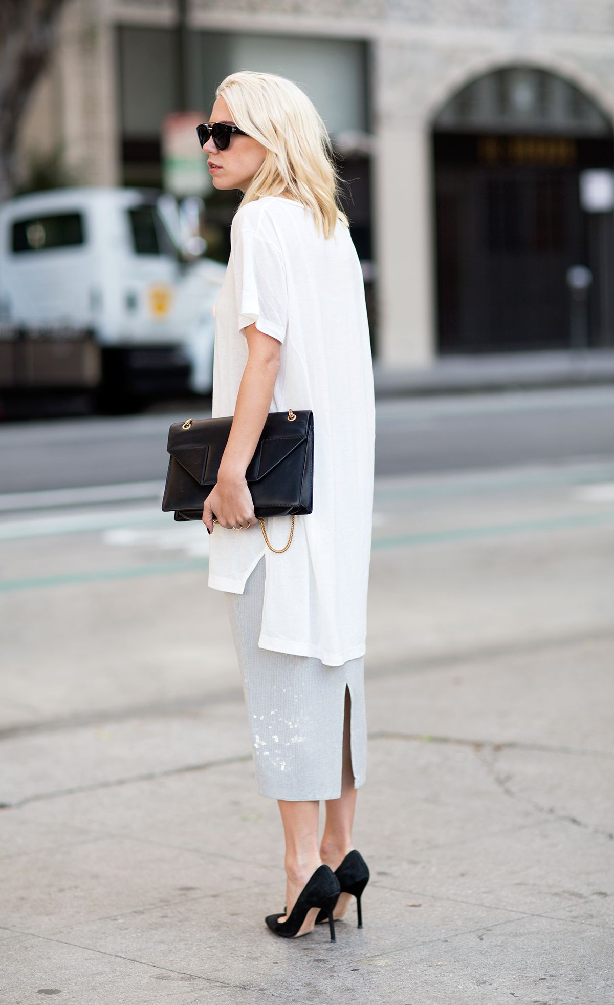 Layering blouse over dress black and white, street fashion