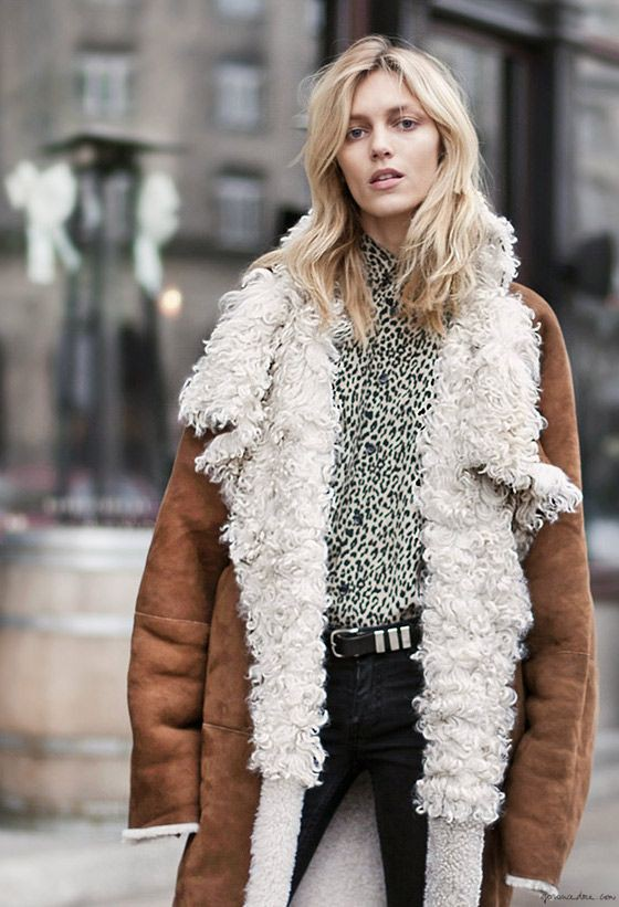 Girl shearling coat style, shearling coat, street fashion, fashion model, fur clothing, t shirt