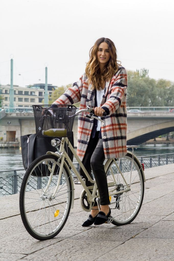 Outfits para montar bicicleta, fashion accessory, street fashion, bicycle wheel, t shirt