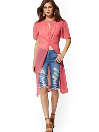 Blue and pink colour outfit, you must try with blouse, jeans, denim