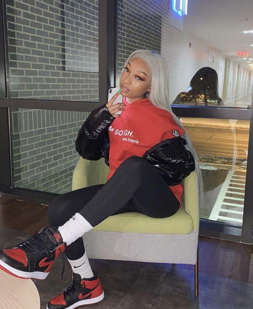 Instagram fashion with sportswear, leggings, tights