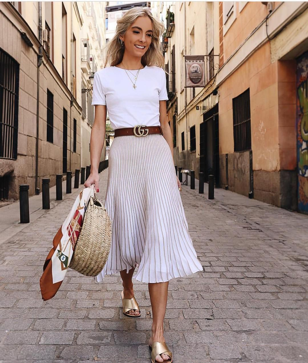 Pleated skirt outfit ideas, cocktail dress, street fashion, party dress, casual wear, crop top