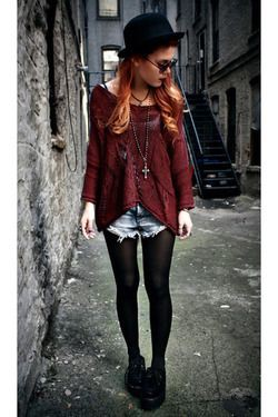 Maroon and brown colour outfit with leggings, leather, tights