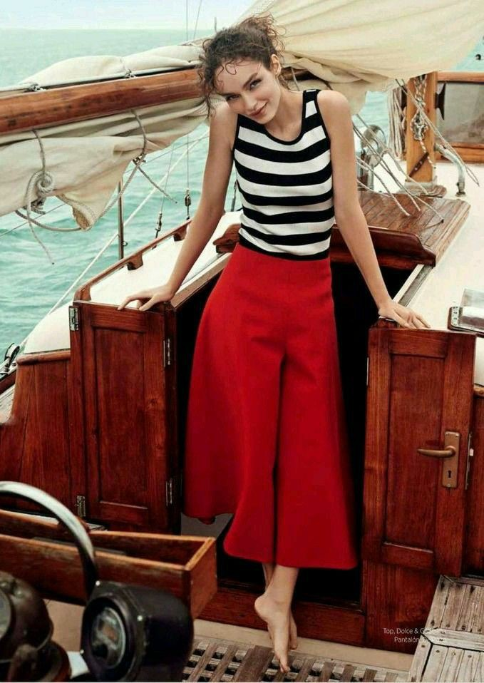 Colour outfit ideas 2020 with vintage clothing, retro style, trousers