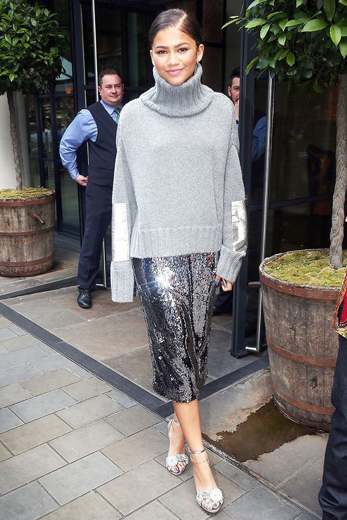 Sequin skirt celebrity outfit, street fashion, pencil skirt