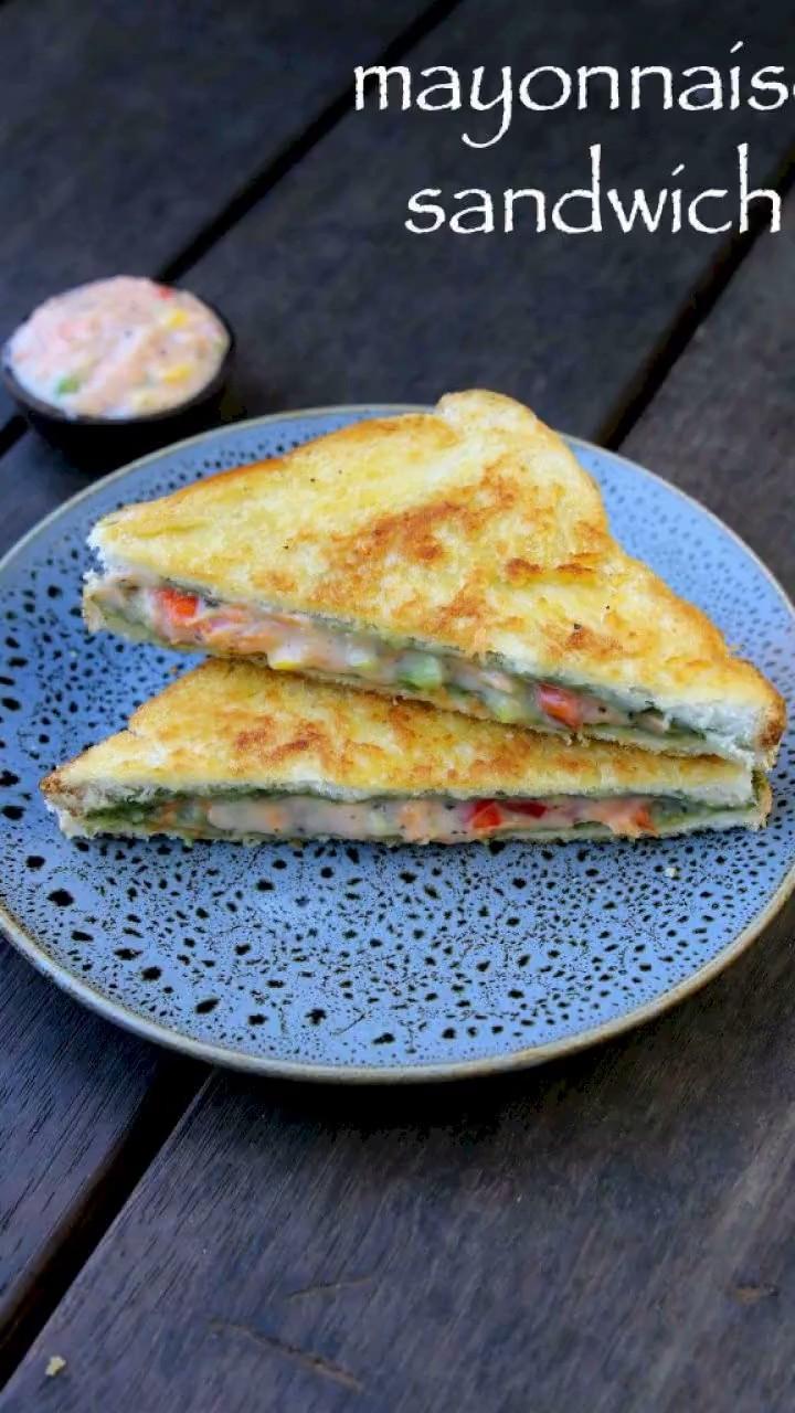 Colour combination quesadilla, vegetable sandwich, bread pakora, finger food, baked goods